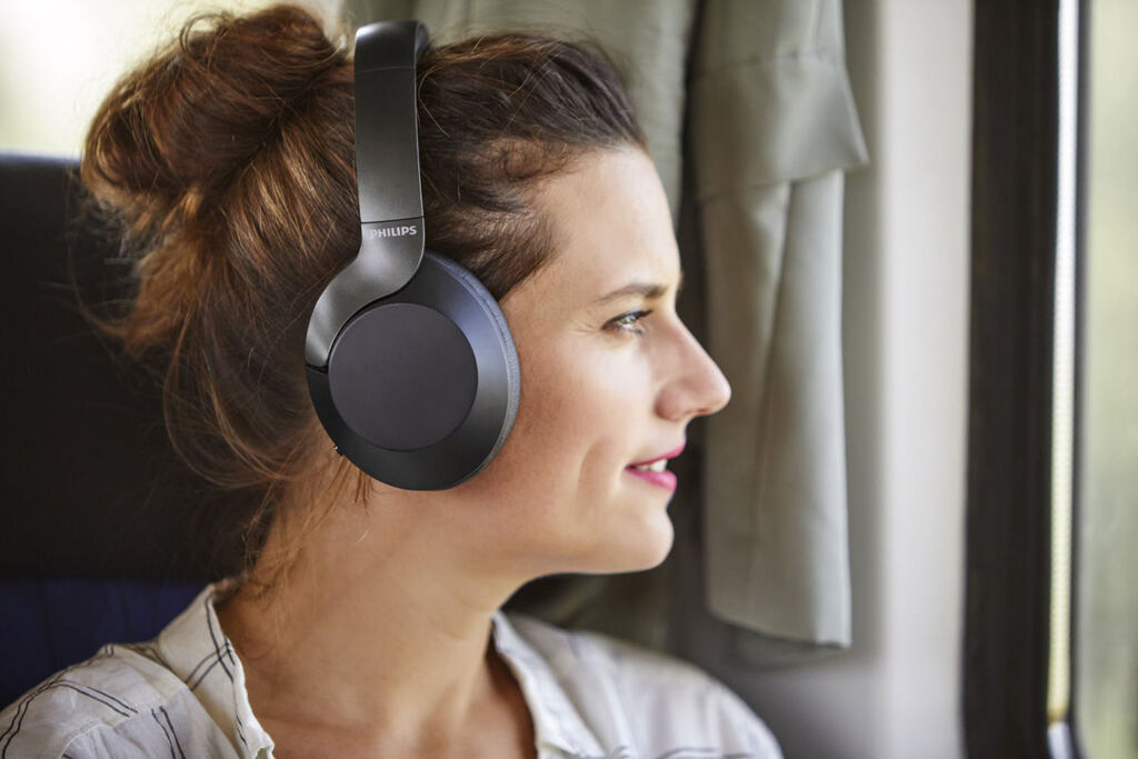 Philips TAPH805 Wireless Noise Cancelling Headphones Now Available At RM999 22
