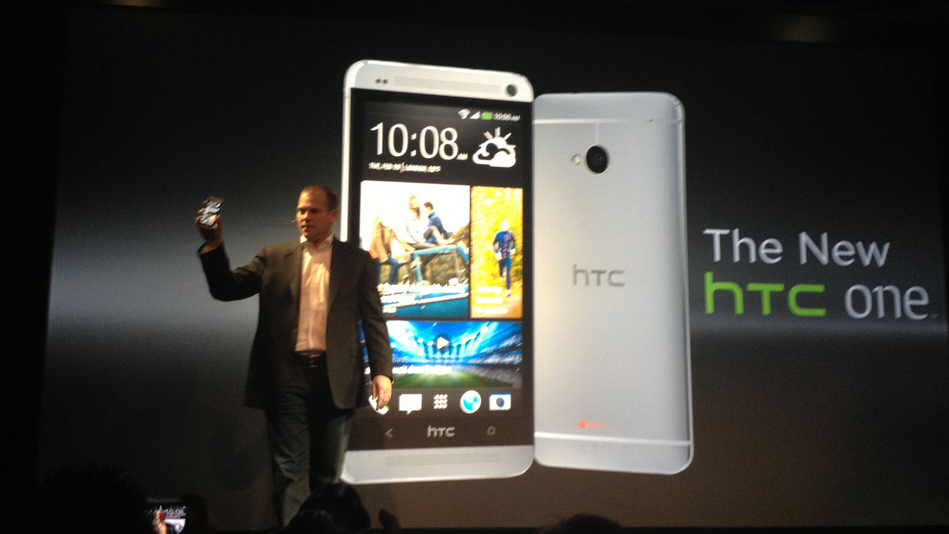 HTC reports operating loss of RM 514m in Q4 2015 21