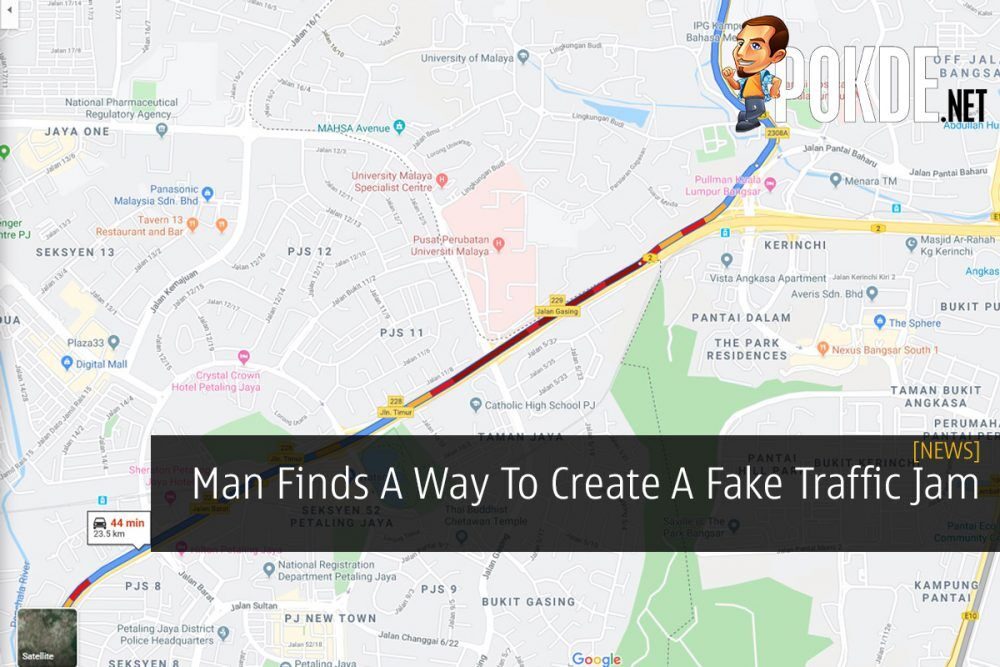 Man Finds A Way To Create A Fake Traffic Jam 22