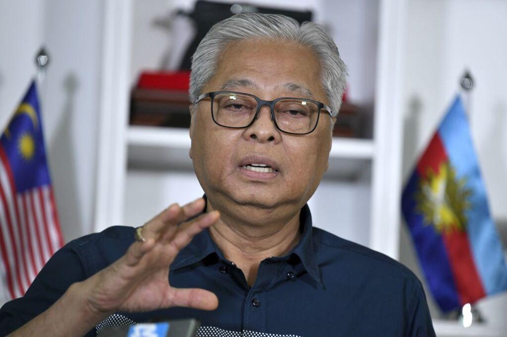 Malaysia PSA: No Need to Use MySejahtera App at Petrol Pumps 22