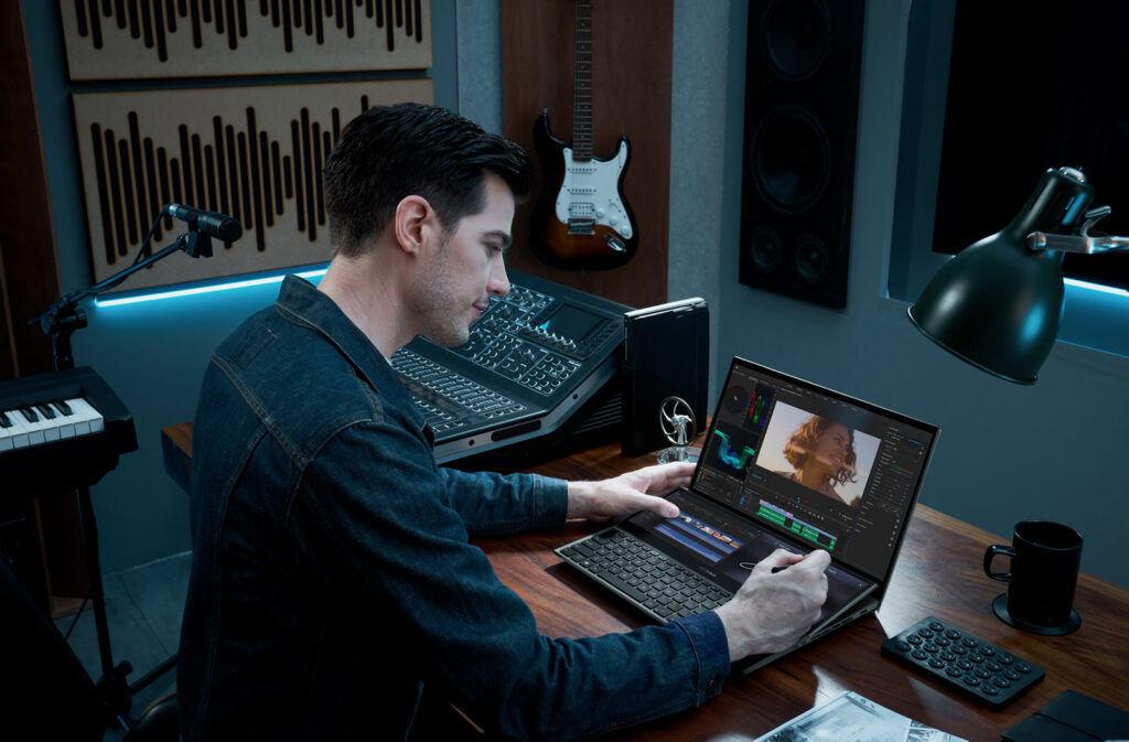 ZenBook Pro Duo 15 OLED user