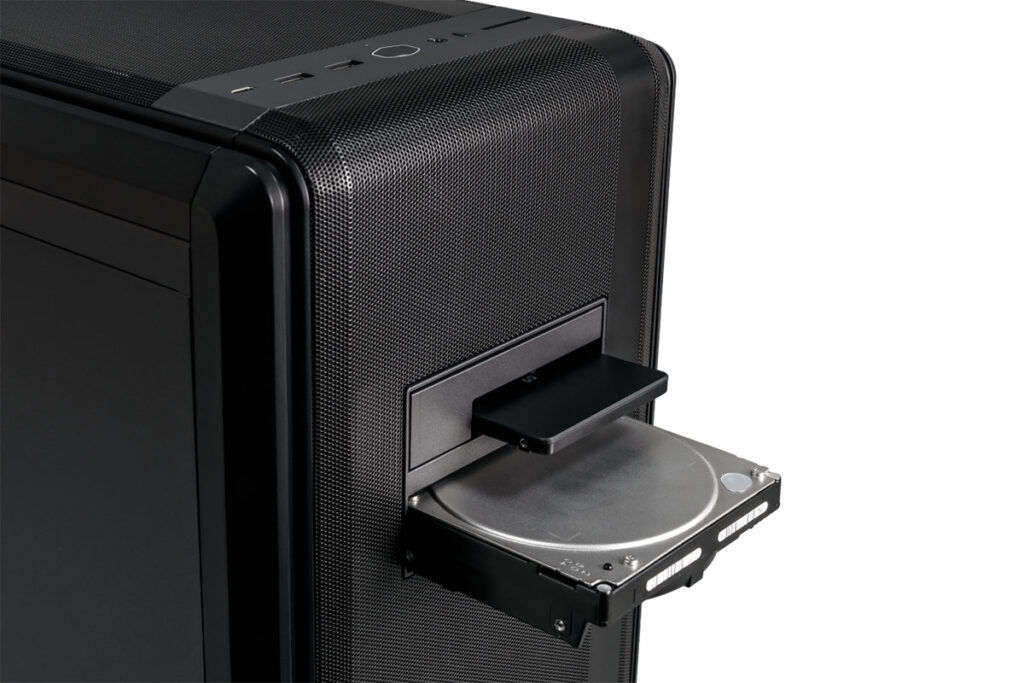 cooler master nr600p hot swappable drive bays
