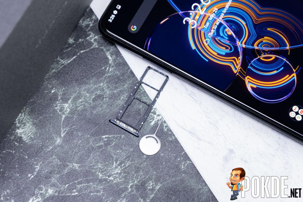 ASUS Zenfone 8 Flip Review-12