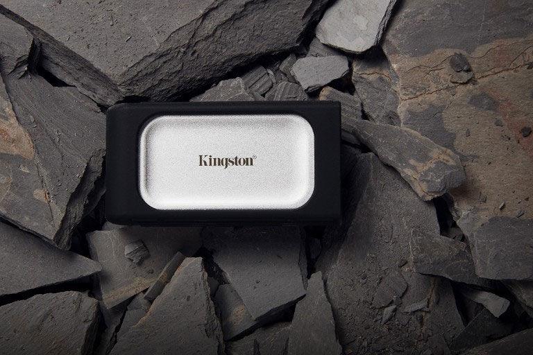 Kingston XS2000 Portable SSD rubber