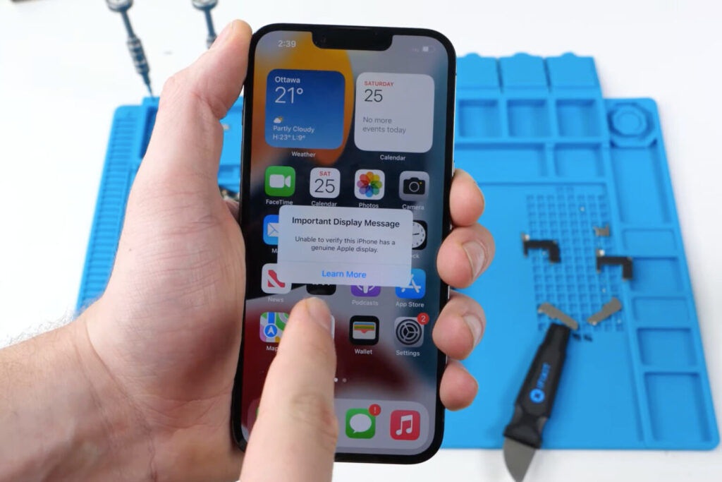 3rd Party iPhone 13 Screen Repairs May Disable Face ID Permanently